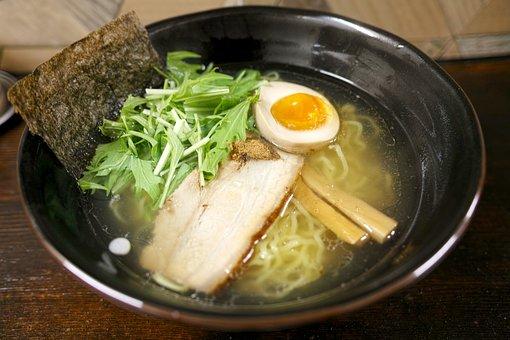 ラーメン大桜十日市場本店で横浜家系を味わおう!おすすめメニューをチェック!