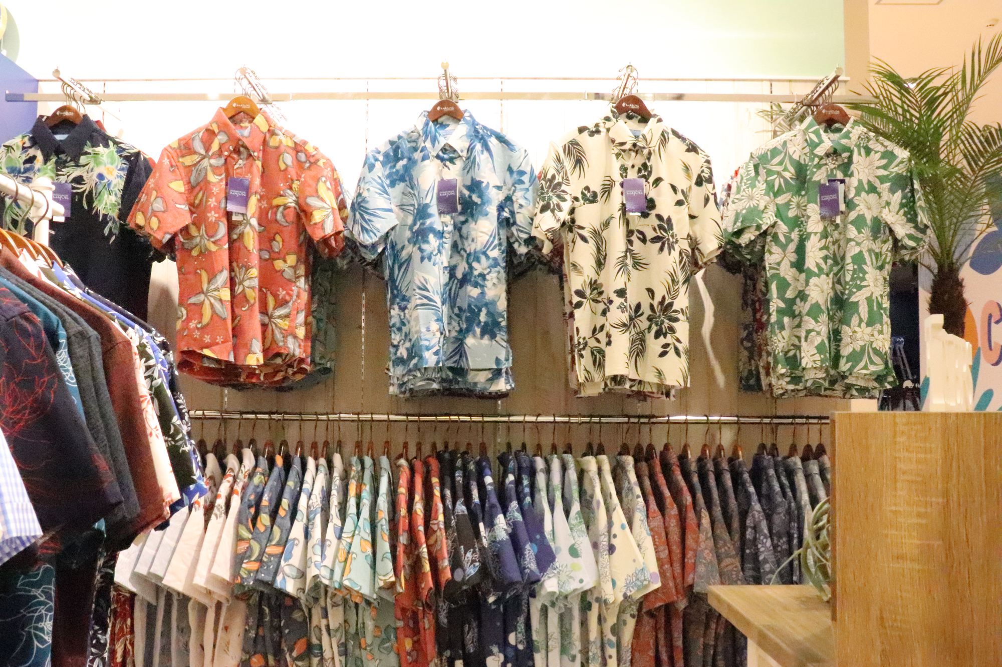 MAJUNの夏アイテム!シャツやワンピースなど人気のかりゆしウェアを紹介!