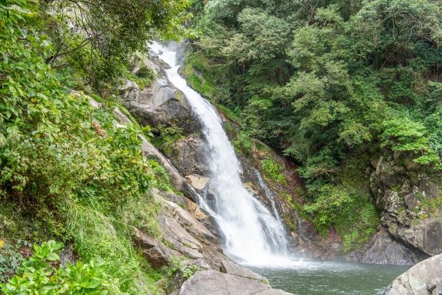 見帰りの滝は佐賀にある美しい名所!ライトアップやあじさいの見頃を紹介!
