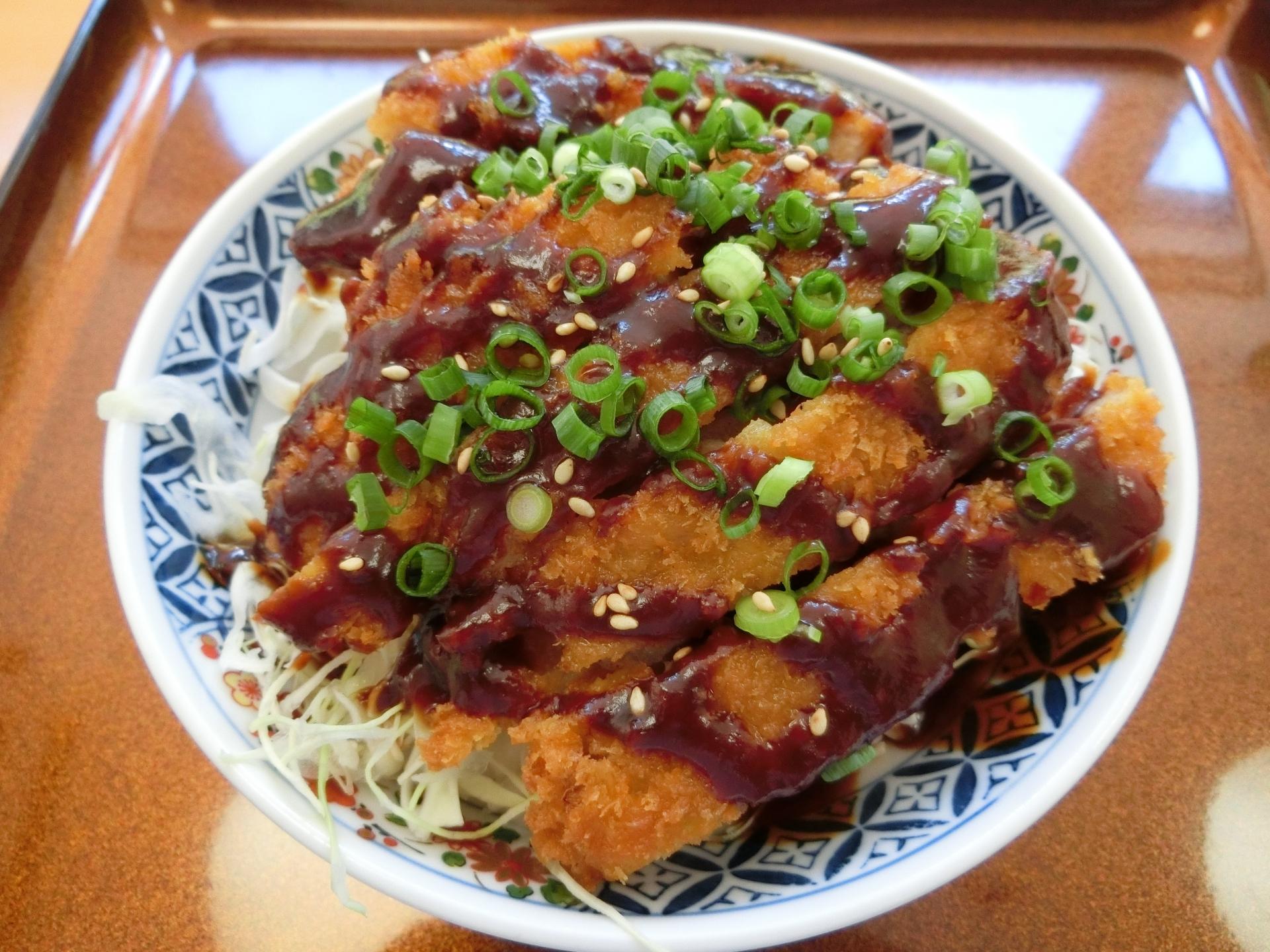 洋食工房パセリはデカ盛りメニューが人気の名古屋の名店!おすすめは?