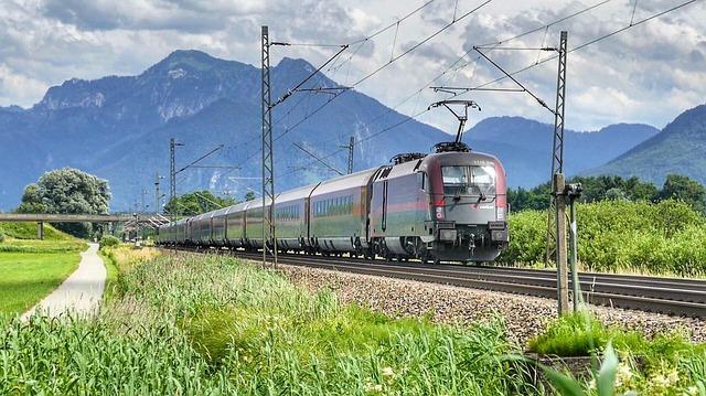 五能線で鉄道旅!日本海の絶景パノラマを青森から秋田まで満喫!