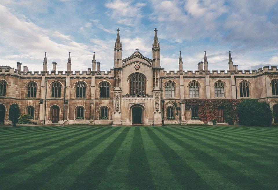 イギリスの大学おすすめランキングTOP39!学費や学校の特徴は?