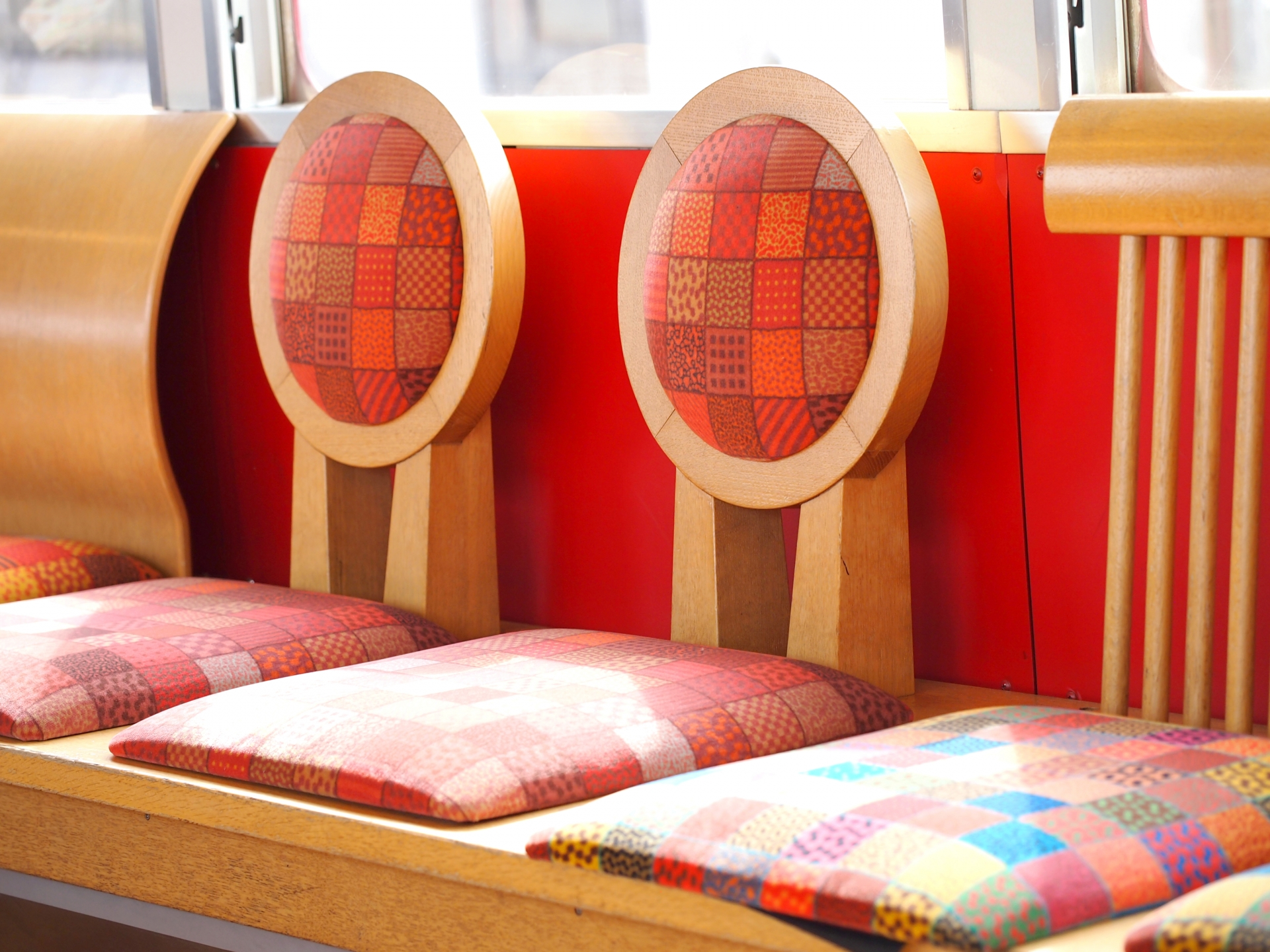 由利高原鉄道のおもちゃ列車は子どもも大人も楽しめる!木のぬくもりを感じよう!