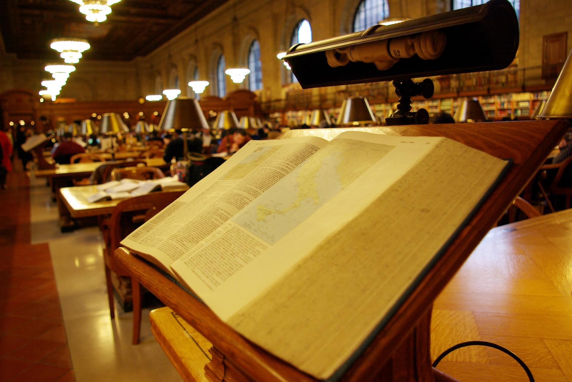 国際教養大学「中嶋記念図書館」は美しいデザインが人気!利用方法は?