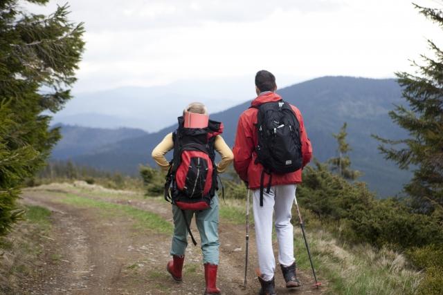 リップストップ生地の特徴まとめ!軽量で丈夫な登山におすすめの人気素材!