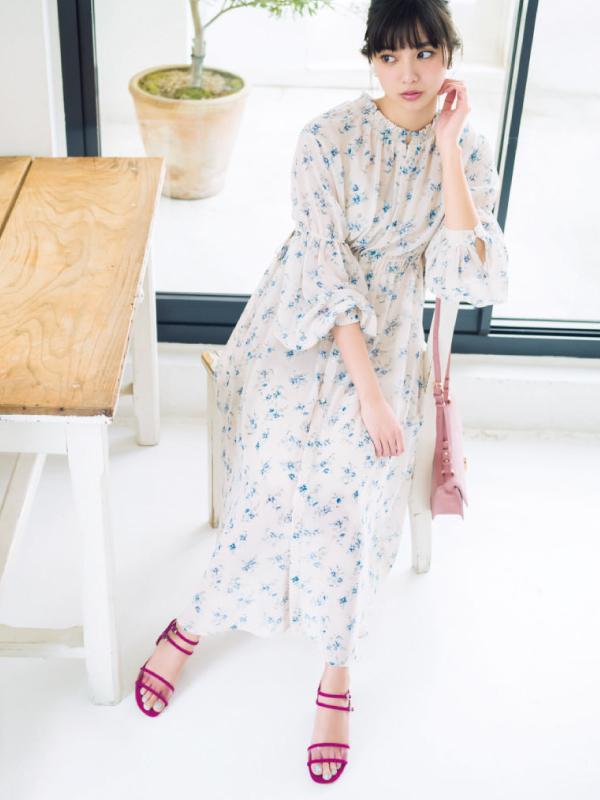 今→夏とフェミ&カジがこの1足で! 新川優愛のクリア素材の神サンダル着回し&カタログ8選!