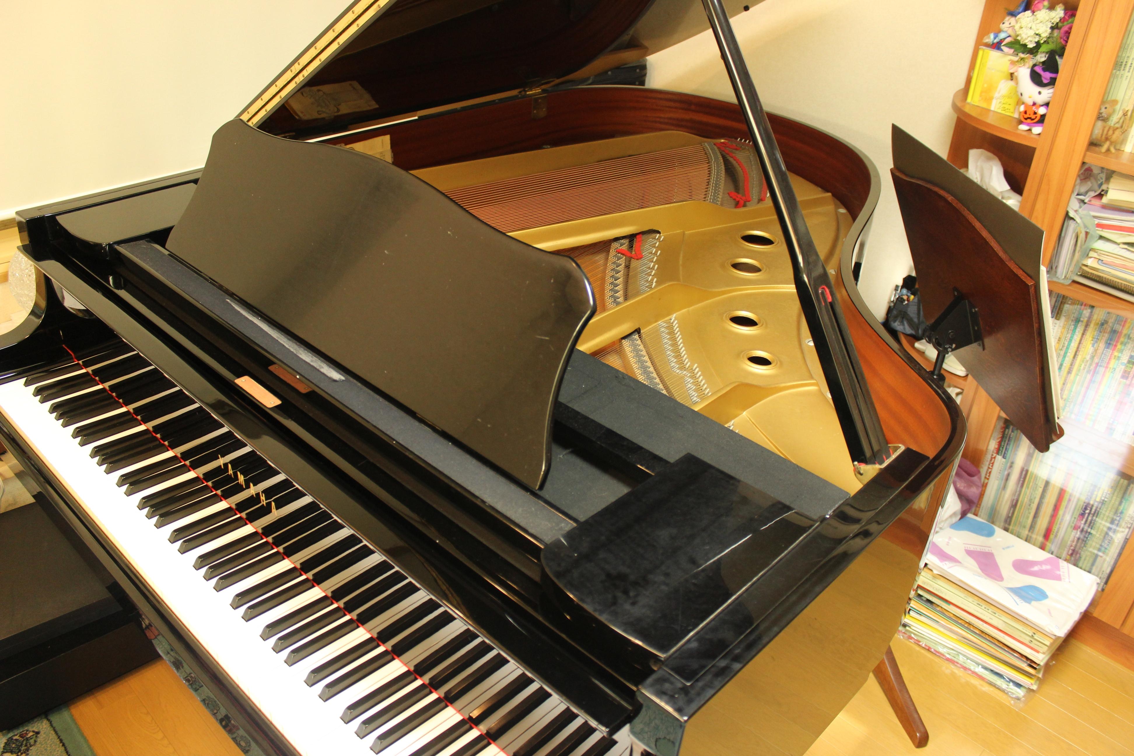 レッスン用ピアノ