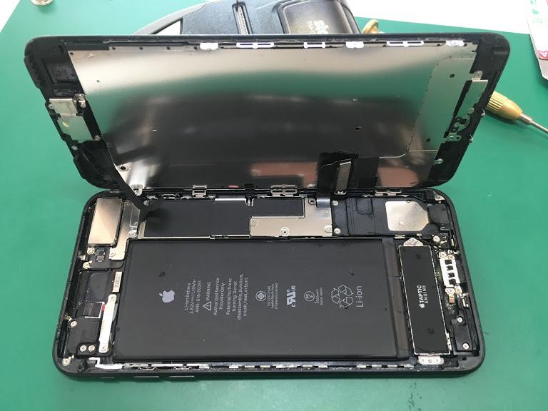 【iPhone7Plus:水没修理】北習志野からiPhone7Plusの水没修理依頼です。あたたかくなると水没依頼が増えますね…。皆様お気を付けください!