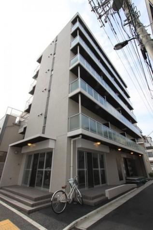 蔵前 9分マンション 建物画像1