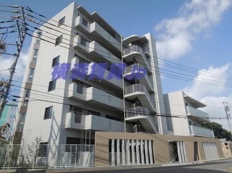 ライクリヴ北新横浜 建物画像1