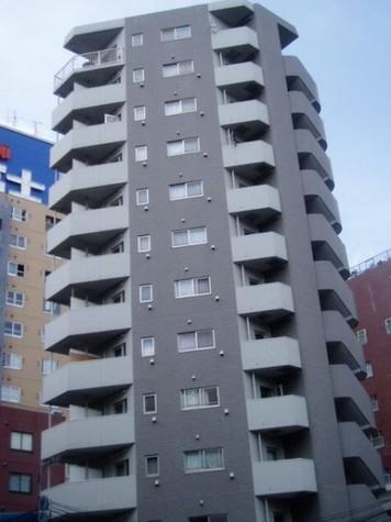 プレール・ドゥーク笹塚 建物画像1