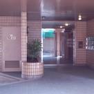 不動前 5分マンション 建物画像1