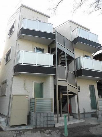 リーヴェルポート横浜南太田 建物画像1