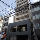 テーラードコート 建物画像1