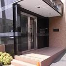 ウッドパレス駒岡 建物画像1