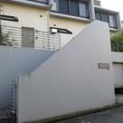 ガーデン白楽 建物画像1