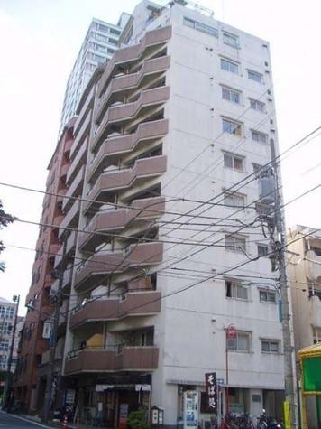 パレ・ドール新宿 建物画像1