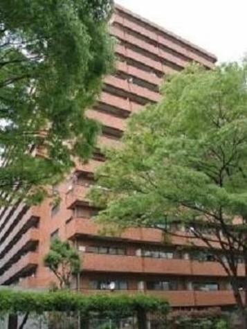 ライオンズマンション初台 建物画像1