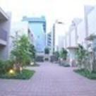 プレミアガーデン本郷 建物画像1