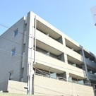 Kikuna 1 min Apartment Building Image1
