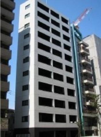 プラティーク新宿WEST 建物画像1