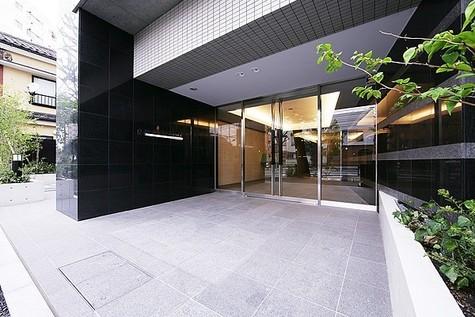 レジディア文京本駒込 建物画像1