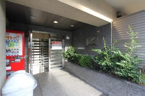 プレール・ドゥーク新宿御苑 建物画像2