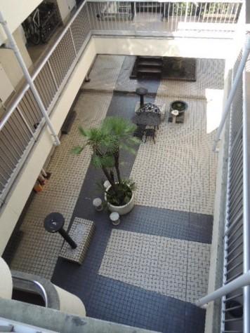 シャレーコート 建物画像2