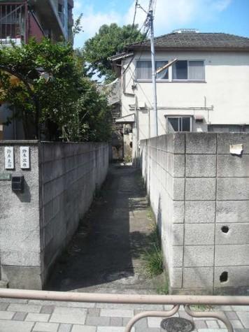 近くには上野公園がある閑静な住宅街