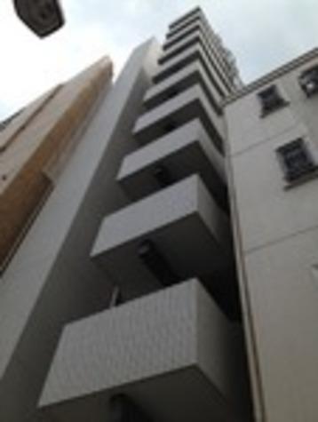 ジェノヴィア西新宿グリーンウォール 建物画像2