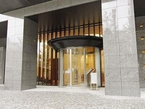 コンシェリア西新宿TOWER'SWEST 建物画像2