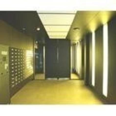 カスタリア新宿 建物画像2