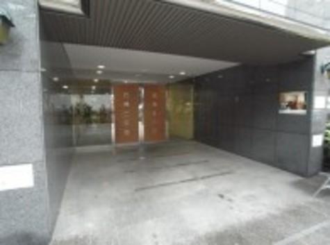 パレステュディオ新宿パークサイド 建物画像2