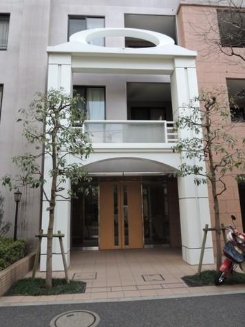 クリオ三田ラ・モード 建物画像2