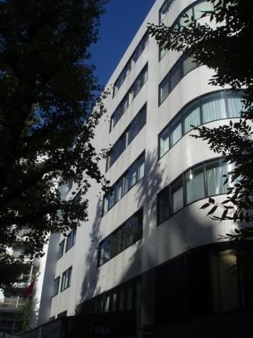 パーク・ノヴァ神宮前 Building Image3