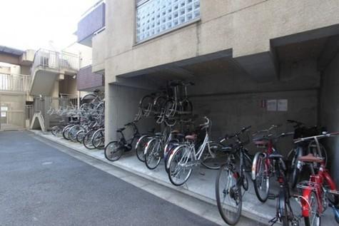 プレール・ドゥーク新宿御苑 建物画像3