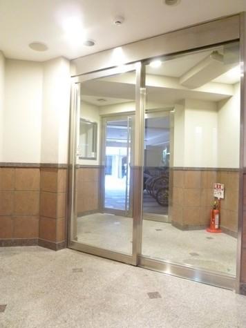 メビウス新宿御苑(旧プレイアデ新宿御苑) 建物画像3
