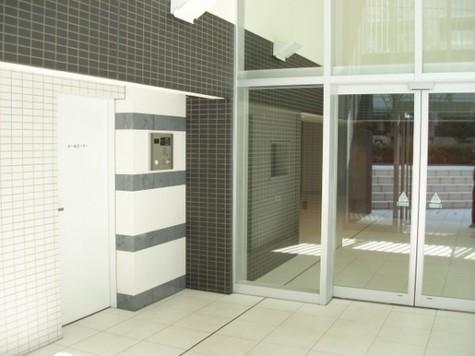 コンフォリア駒場 Building Image3