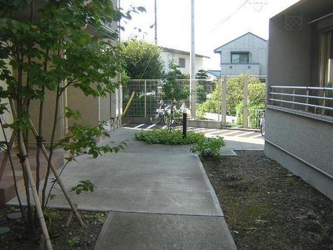 ラピスコート菊名 建物画像3