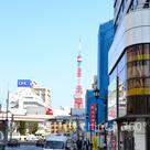 近くからは東京タワーが