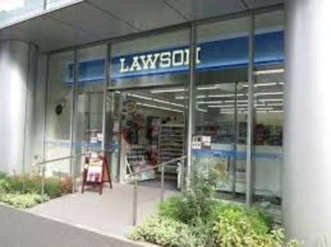 ローソンTHE KAITEKIビル店