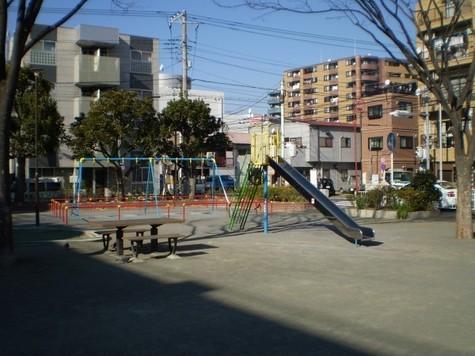公園目の前:環境良好