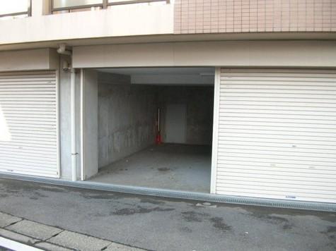 ヨコハマベルフラッツEAST 建物画像3