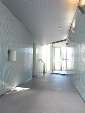 コンシェリア西新宿 建物画像3