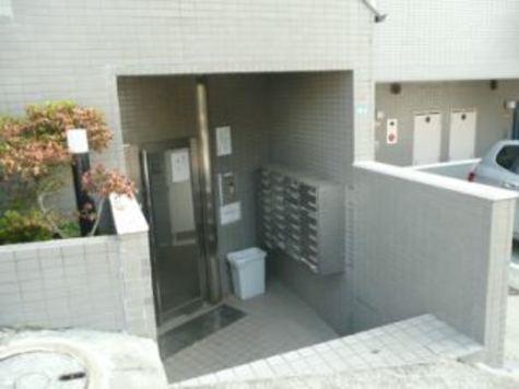 スカイコート横浜弘明寺 建物画像4