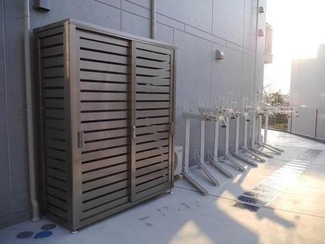 プランドール横浜 建物画像4