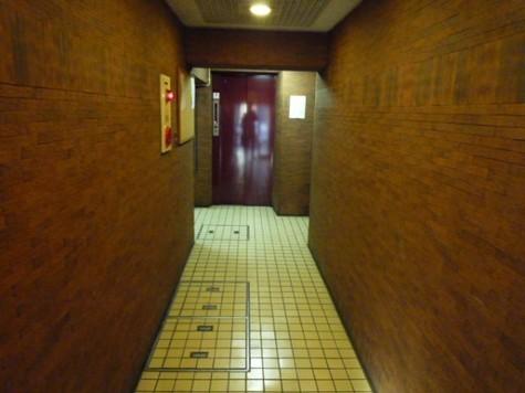 ※エレベーター前