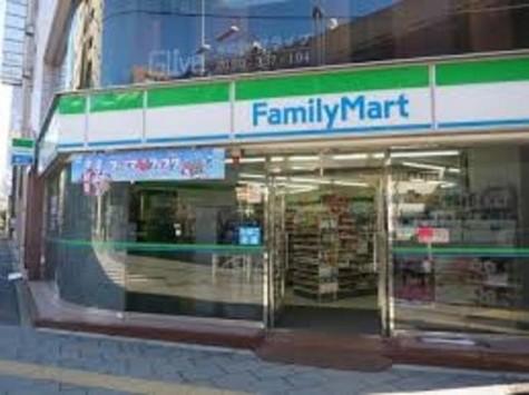 ファミリーマート神田岩本町一丁目店