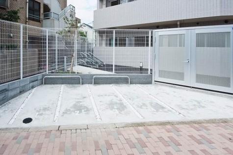 駐輪場・バイク置き場あり。