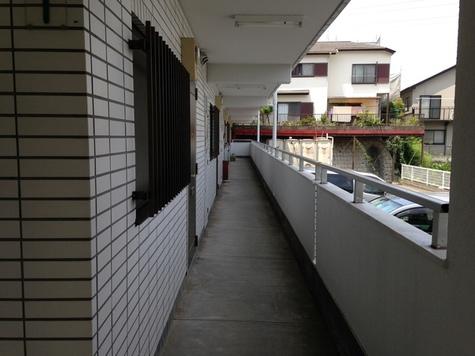 ベルシェ大倉山 建物画像6